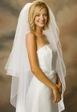knee lenght wedding veil