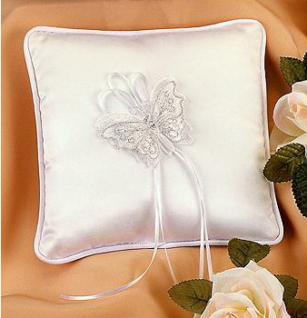 traditional ring pillow