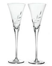 toasting flutes