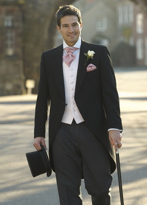 groom's suit style of the event