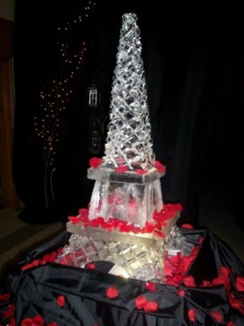 Wedding ice sculpture Tour Eiffel