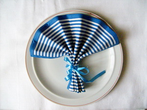 Goblet Fan Napkin Folding
