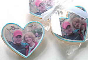 Personalized wedding cookie favors - picture
