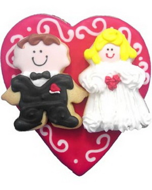 funny wedding cookie favors - bride and groom
