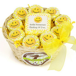 Funny wedding cookie favors - smily faces