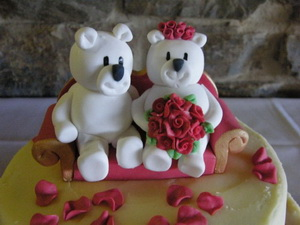 Edible Bride&Groom Teddy Bears cake topper
