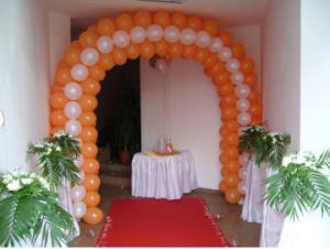 how-to-decorate-a-weddding-arch-ballon-wedding-arch