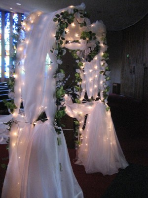 Wedding arch decorations all about wedding how to decorate a weddding arch lights wedding junglespirit