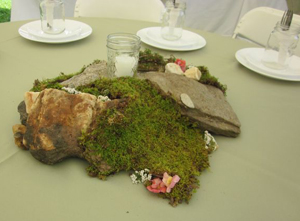 natural-wedding-centerpieces-tree-moss