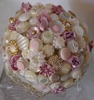 unique-bridal-bouquet-button