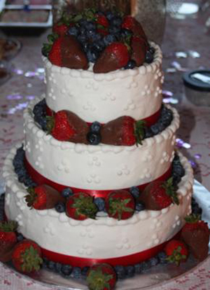 4th-of-july-themed-wedding-cake