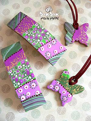 matching-pendants-1
