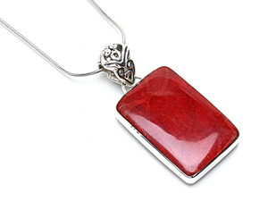 matching-pendants-3
