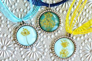matching-pendants-4
