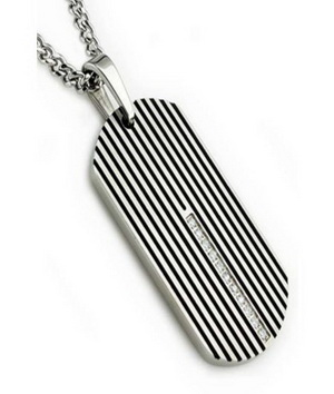 men's-wedding-day-accesorry-pendant