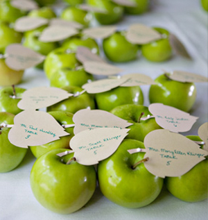 unique-place-card-holders-apples