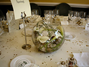 wedding-table-arrangements-personalized-bowls