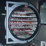 freeze-drying-machine (source:http://home.earthlink.net)