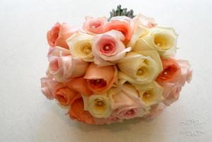buchetul miresei trandafir