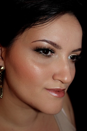 bronze powder bridal makeup