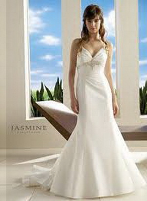 hourglass bridal gown