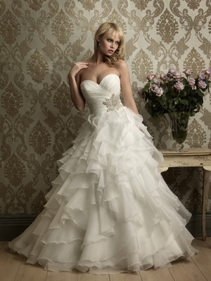 renting wedding dress
