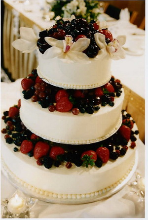 Trends For Wedding Cake All About Wedding - Fresh Fruit Wedding Cake
