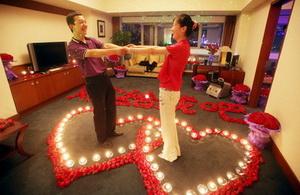 o-cerere-in-casatorie-inconjurata-de-9.999-de-trandafiri